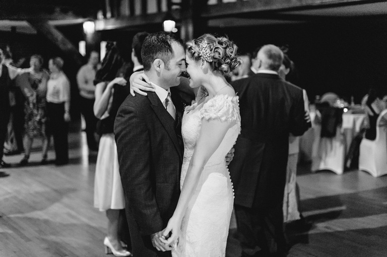 documentary wedding photography first dance