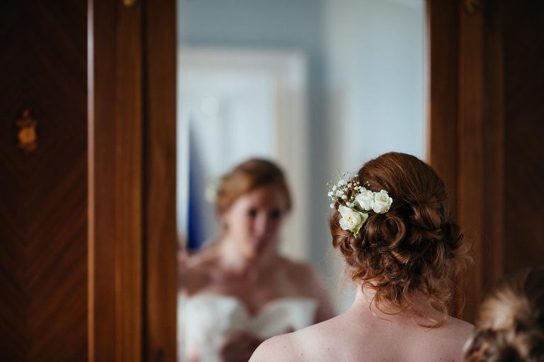 bride flowers in hair