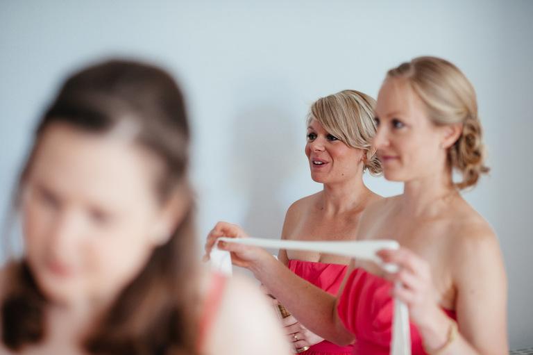 wedding morning bridesmaids