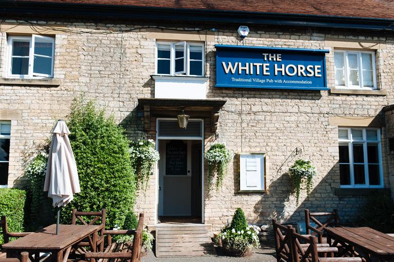white horse pub rutland