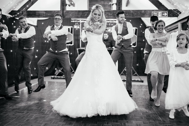 wedding dancing gangnam style