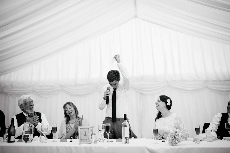 help booking your wedding photographer