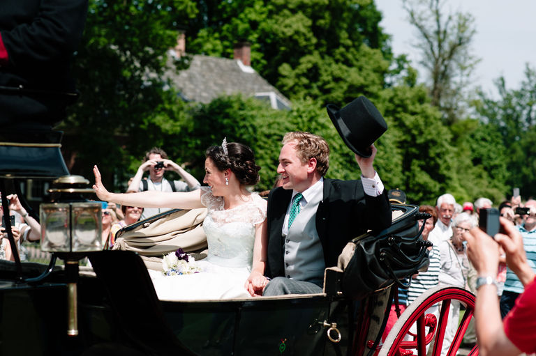 bride groom horsedrawn carriage castle holland