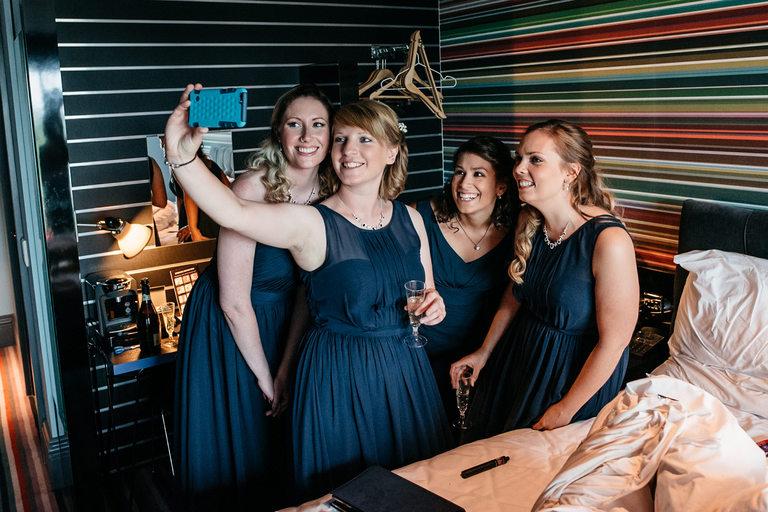 bridesmaid selfie before the wedding
