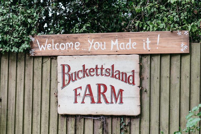 buckettsland farm wedding venue