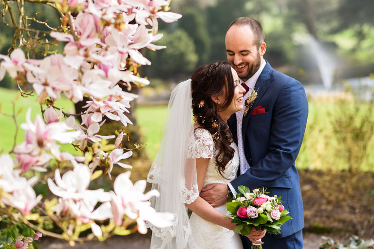 relaxed and natural wedding portraits at breadsall prioryportraits
